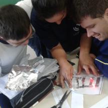 """Utilização do """"circuito em papel"""" no processo de aprendizagem."""